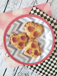 Heart Shaped Pizza Minis! Would be such a cute birthday party of lunch idea