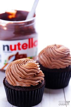 #KatieSheaDesign ♡❤ ❥▶  Nutella Cupcakes Recipe | gimmesomeoven.com