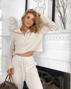 Fashion Dresses Love this comfy trendy casual outfit. Look Fashion, Girl Fashion, Fashion Dresses, Fashion Tips, 90s Fashion, Winter Fashion, Cute Casual Outfits, Simple Outfits, Kelsey Simone Outfits