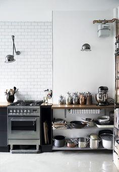 Une cuisine de style scandinave industriel