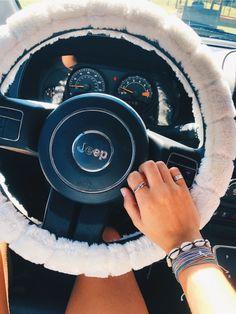 car for teens ideas trendy cars for teens Maserati Ghibli, Aston Martin Vanquish, Car Interior Accessories, Car Accessories For Girls, Jeep Accessories, Car Interior Decor, Car Interior Design, Vintage Accessories, Sunglasses Accessories