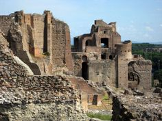 "The Palatine Hill, Rome. The Palatine Hill was once the ""very posh"" neighborhood for all the Roman celebrities. In a letter from the Roman Senator Cicero to a friend, he tells him, ""I have finally made it. I now have a house on the Palatine."""