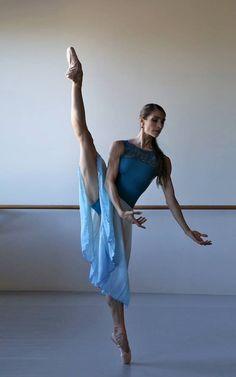 Queensland Ballet Principal Dancer Laura Hidalgo, Photo David Kelly