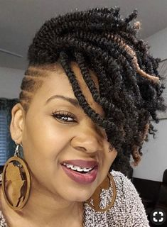 """Half Order Bob -Short Crochet Kinky Twists – 100 pieces Enough for a """"HALF"""" Head Installation Excited to share this item from my shop: Short Pretwisted Kinky Twist- 100 pieces Enough for a """"HALF"""" Head Installation Short Bob Haircuts Box Braids Hairstyles, My Hairstyle, Short Crochet Braids Hairstyles, Black Hairstyles, Curly Haircuts, Hairstyles Videos, Braided Mohawk Hairstyles, Hair Updo, Black Women Natural Hairstyles"""
