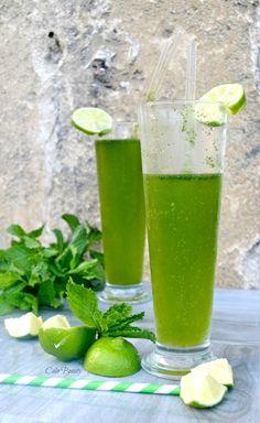 Depuis deux ans maintenant le mojito reste ma boisson préféré ! Je suis complètement addicte de cette boisson qui allie la menthe fraîche le citron vert et de la bonne limonade bio. Pour moi ce cocktail est synonyme d'une belle soirée en terrasse devant...