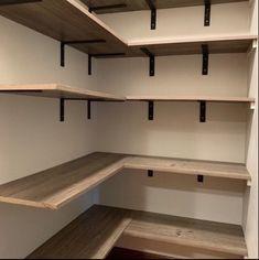 Diy Closet Shelves, Craft Shelves, Pantry Shelving, Open Shelving, Shelf Brackets Rustic, Rustic Shelves, Wooden Shelves, How To Make Floating Shelves, Kitchen Pantry Design