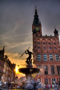 maxim-bespalov: Neptune in the sun. in Gdansk, Poland