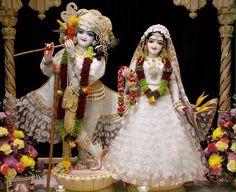 Lovely couple Shree Krishna Wallpapers, Radha Krishna Wallpaper, Radha Krishna Pictures, Baby Ganesha, Baby Krishna, Radha Krishna Love, Radha Kishan, Photos Of Lord Shiva, Krishna Statue