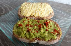 En-cas sains houmous (purée de pois-chiches) et guacamole Eat Healthy, Healthy Life, Cooking Cookies, Kitchen Corner, Avocado Toast, Guacamole, Snacks, Breakfast, Fitness