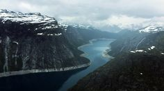 So I visited Norway 2 years ago and took this photo of Ringedalsvatnet [1920x1080] [OC]