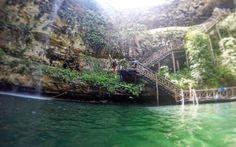 Sprung ins kalte Nass! Cenote in Mexico © Roman Vaibar / restplatzboerse.at