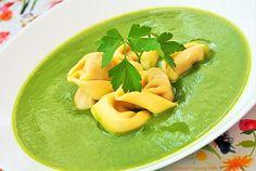 Krem z zielonych warzyw z tortelloni