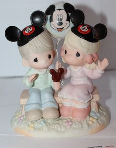 """Disney Precious Moments Figurine w/ Box """"Happiness is Best Shared"""""""