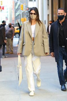 Kendall Jenner Outfits, Kendall And Kylie, Kylie Jenner, Street Style 2016, Street Style Looks, Mode Streetwear, Streetwear Fashion, Spring Summer Fashion, Autumn Fashion