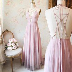 Kabéna  #boutique1861 Des nouveaux choix pour le bal à chaque semaine! New prom dresses every week!