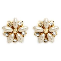 Miriam Haskell Filigree floral Baroque pearl stud earrings (565 BRL) ❤ liked on Polyvore featuring jewelry, earrings, white, vintage jewelry, swarovski crystal jewelry, white stud earrings, white earrings and miriam haskell jewelry