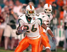 These were my favorite football jerseys ever and Sean Taylor wore it better than… Miami Football, Nike Football, Football Jerseys, College Football, Football Players, Football Helmets, Sports Jerseys, Basketball, Miami Hurricanes Gear