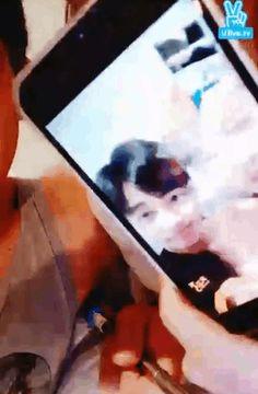 151202 SHINee X EXO in bed (´艸`*) ~ v app ~ (4/4)