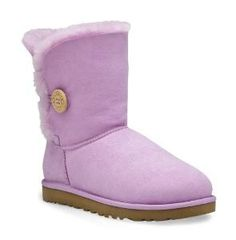 Who doesn't love a confortable cute ugg!?