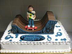 skate boarder with half pipe cake by cakesbyshaina, via Flickr