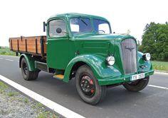foto skoda 806 - Hledat Googlem Antique Cars, Trucks, Antiques, Vehicles, Design, Antique Photos, Transportation, Vintage Cars, Antiquities