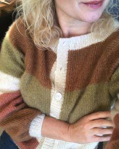 Sorbet Cardigan 🍑 Der er Samstrikk sat i værk af fine @knitsbyaydin @linntheresestrikker og @piamyhrekamp og rabat at hente på både garn og… Color Balance, Knitting Wool, Sorbet, Knitwear, Men Sweater, Womens Fashion, Cardigans, Autumn, Outfits