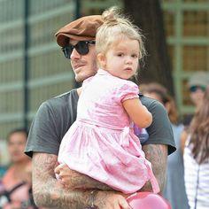 David Beckham joue avec sa fille Harper dans un parc à New York, le 10 septembre 2013.