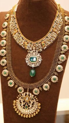 Kundan bottu mala and pachi work trendy necklace with flat diamonds and emeralds Bridal Bangles, Wedding Jewelry, Antique Necklace, Antique Jewellery, Gold Jewellery Design, Simple Jewelry, Jewelry Patterns, Necklace Designs, Indian Jewelry