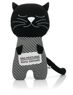 Um porta-pijama para donos mimados.