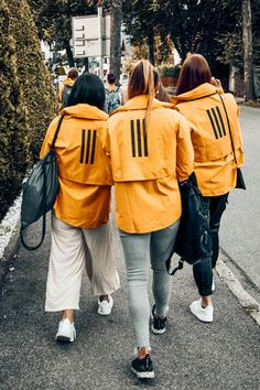 The lightweight MYSHELTER Rain Jacket incorporates premium outdoor technologies to create a jacket that combines function and design. It has a streetwise look with features that are built for the urban outdoors. Adidas Presents, Yellow Adidas, Curvy Fashion, Womens Fashion, Foto Casual, Adidas Running Shoes, Outdoor Apparel, Luxury Dress, Adidas Women