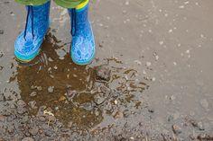 Botas de agua (2 años, 6 meses y 13 días) by Adijirja, via Flickr