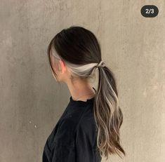 Hair Color Streaks, Hair Dye Colors, Two Color Hair, Blonde Streaks, Hair Color Underneath, Brown Blonde Hair, Blonde Hair Underneath Brown Hair, Blonde Highlights Underneath, Dyed Hair Brown