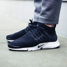 Nike Flyknit Presto Black