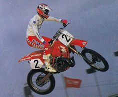 Factory Honda's Ricky Johnson flying his Brian Lunniss-tuned CR250R to another victory in 1988 - Paul Buckley  #TheBadBoy #ThatHonda#LoveThatBloodRed #NoWingNoPrayer
