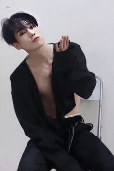 Victon Kpop, Kpop Guys, Asian Boys, Asian Men, The Voice, Human Poses Reference, Aesthetic People, Handsome Anime Guys, Fandom