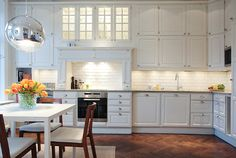 All white kitchen. Condo Remodel, Kitchen Remodel, Dining Room Design, Interior Design Living Room, Kitchen Cupboards, Kitchen Dining, Painted Brick Backsplash, All White Kitchen, Country Kitchen
