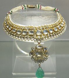 18th century raw diamond necklace featuring an emerald with pearls and rubies owned by the Mughal Emperor Shajahan