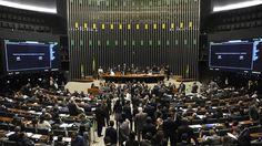 Com fim da folga de carnaval, Câmara retoma discussões sobre reformas