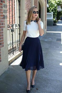 Pleated Skirt and Lace Collar Sweater (MEMORANDUM)