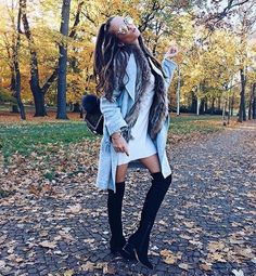 Cool look for use in the fall! Look legal pra usar no outono!!  #fall #looks #clothes #fashion #shoes #hairs #boots #calças #moda #outono #botas #cabelos #roupas