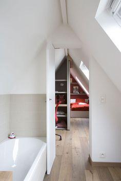 c [ak'sent] interiorarchitects project Attic Bathroom, Upstairs Bathrooms, Attic Rooms, Bathroom Ideas, Garage Room, Roof Extension, Loft Room, Tiny House Cabin, Attic Storage