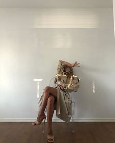 Follow our Pinterest Zaza_muse for more similar pictures :) Instagram: @zaza.muse   Style inspiration Minimalist Outfit, Minimalist Fashion, Model Poses Photography, Fashion Photography, Fashion Poses, Fashion Outfits, Fashion Hacks, Womens Fashion, Oversize Look
