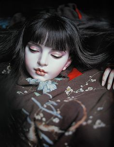 Doll : Gabriel sculpt (2004). Doll artist / Koitsukihime. Photograph / Sakichi Kataoka. Ningyotsuki (2006)