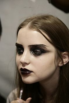 greasy smoky eye - this is awesome