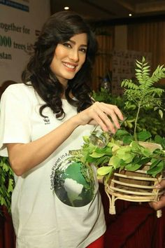 Mehwish Hayat a Pakistani Actress, Model and Singer
