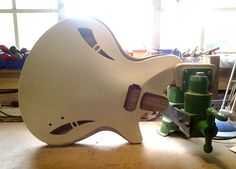 Shape of things to come Archtop Guitar, Guitars, Guitar Diy, Guitar Building, Musical Instruments, Violin, Acoustic, Things To Come, Shapes