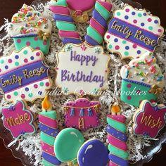 sugar cookies for birthday party Fancy Cookies, Cute Cookies, Holiday Cookies, Cupcake Cookies, Sugar Cookie Royal Icing, Iced Sugar Cookies, Happy Birthday Cookie, Birthday Cookies, Birthday Cake