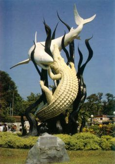 Sura and Buaya are fighting - my favorite symbol of a lovely city - Surabaya
