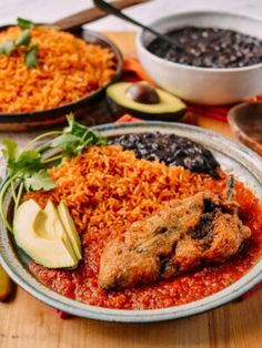 A step-by-step recipe for Chiles Rellenos, a delicious Mexican dish of stuffed poblano peppers with rice, meat, and cheese, served with a fresh salsa. Hot Pot, Tofu, Rellenos Recipe, Wok Of Life, Chili Sauce, Fresh Salsa, Stuffed Poblano Peppers, Mexican Dishes, Mexican Recipes