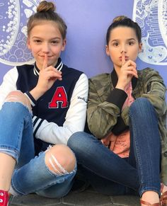 My fave Annie Leblanc and Jayden they are my mains Annie ur the best sister Julianna Grace Leblanc, Hayley Leblanc, Best Friend Goals, My Best Friend, Annie And Hayden, Annie Rose, Jayden Bartels, Bratayley, Poses